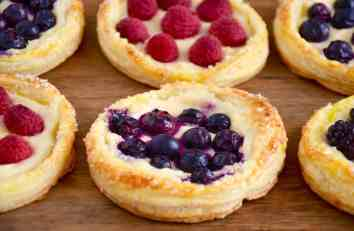 fruit-cream-cheese-breakfast-pastries-recipe