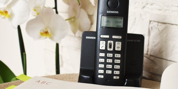 how-many-people-still-use-a-landline-phone