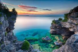 This stunning trail in Ontario is home to turquoise waters